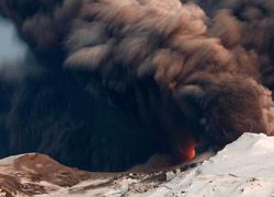 冰岛艾雅法拉火山喷发