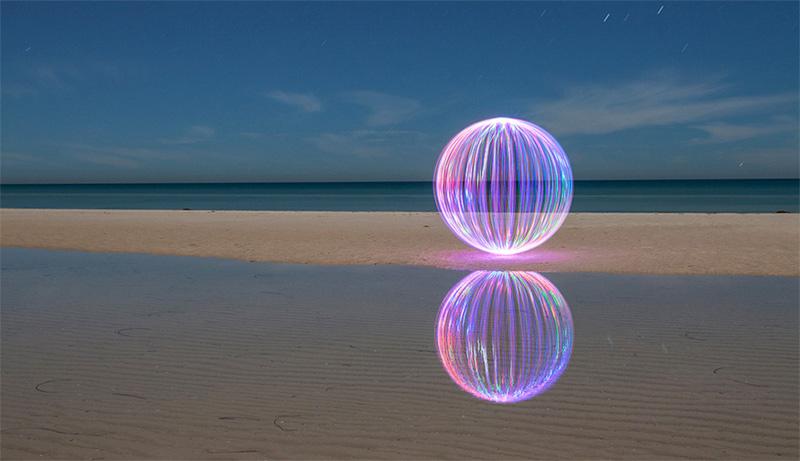 魔幻光之球:令人叹为观止的光影世界