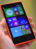 微软首款Android机 诺基亚X2真机上手玩