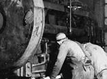 在生产钢制锅炉