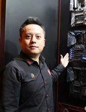 <b>王嘉颐</b><i>微星科技研发处课长</i><em>观点</em>专注电竞 提升用户体验