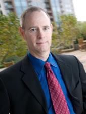 <b>Frank Shaw</b><i>微软副总裁</i><em>观点</em>以满足用户需求为己任