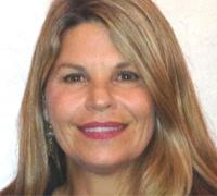 <i class='i1'></i>Cindy Compert