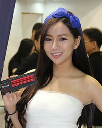 拿浦科特产品的蝴蝶结辣妹