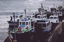 神户港停靠的渔船