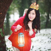 第148期:梦幻雪地小红帽</br>晓波摄影