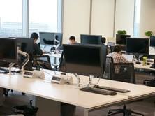 微软工作人员正在紧张忙碌着