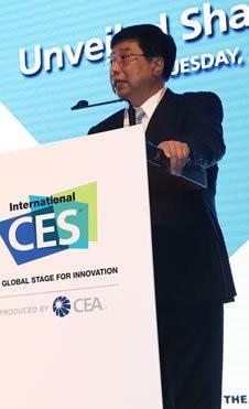 海信集团董事长<br/>周厚健<span>观点</span>智能TV带来商业模式变革