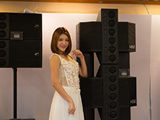 HiVi惠威展厅美丽模特