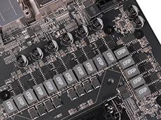 强大的16相CPU供电