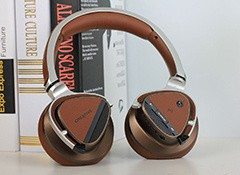 创新Aurvana platinum蓝牙耳机