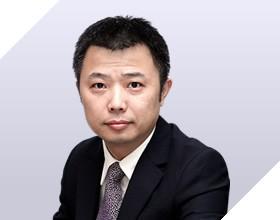 <b>苏峰</b><i>中关村在线 高级副总裁</i>服务科技产业生态<br>助力传统商业转型