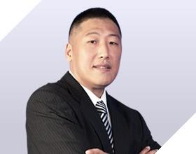 <b>刘小东</b><i>慧聪互联网集团 总裁<br>中关村在线 总裁</i>18年科技互联网媒体到产业互联网集团