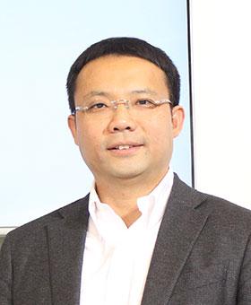 <span>刘峻光</span><br/>三星电子大中华区彩电营销副总裁