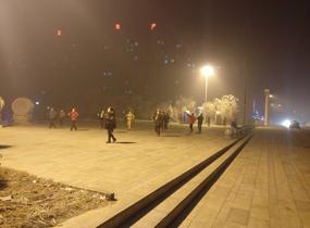《雾霾广场舞》