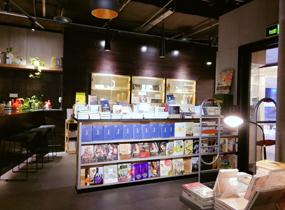 《书店展柜》