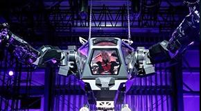 """""""环太平洋""""既视感 首款载人机器人亮相"""
