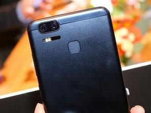 <b>7</b>华硕ZenFone 3 Zoom
