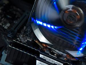 支持高频率DDR4内存