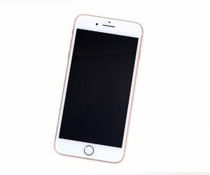 苹果iPhone8Plus拆解:后盖玻璃破裂