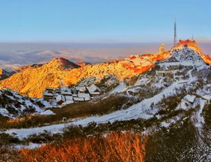 《日出云山赤》(冬)