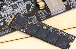 探寻极致 2016年最强PCI-E SSD竟是它