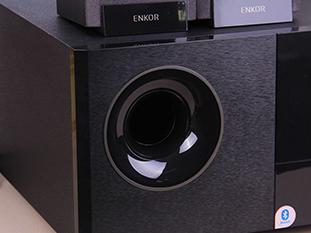 得益于大尺寸低音单元 电源音效震撼