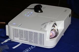 NEC M322X+互动投影首测