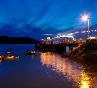 《渔港仲夏夜》