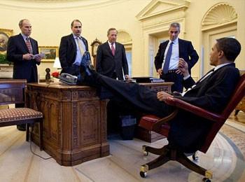 名利场犀利盘点:奥巴马的各种二郎腿