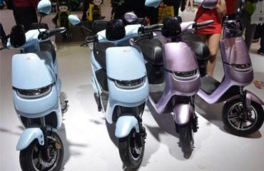 广州五羊携手旗下明星电动车亮相南京展