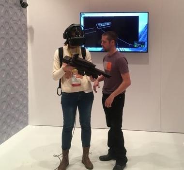 <b>体验</b>HTC VR射击类配件