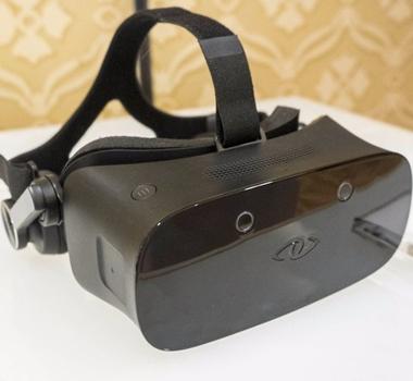 <b>期待</b>微软首批Holographic VR头显