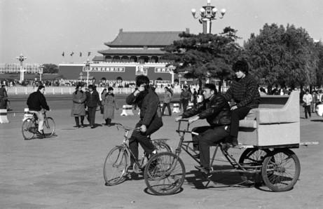 记得小时候梦想着骑着爸的凤凰大二八,从东城穿西城
