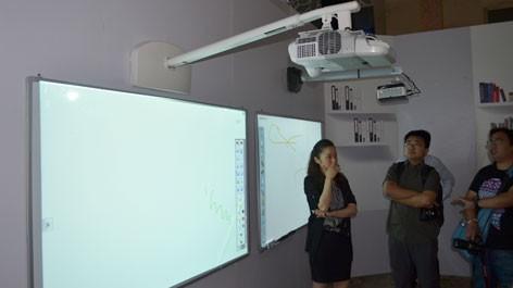 无尘教学 爱普生短焦互动投影应用方案