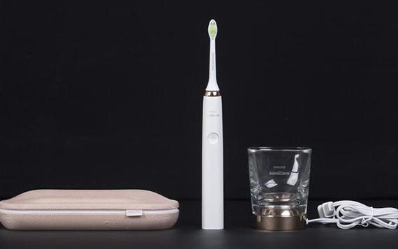 好牙的秘密 三款旗舰级电动牙刷横评