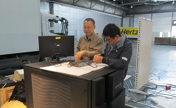 曙光沈卫东与液冷服务器PHPC300