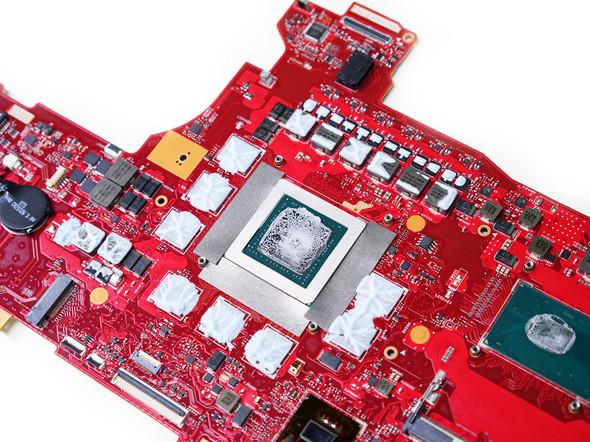 主板上的显示芯片布局像极了桌面版