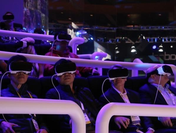 <em>泼冷水</em><b>CES2016金酸梅奖:VR不过是另一次无目的的狂欢