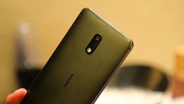 Nokia 6图赏:熟悉的Logo陌生的设计
