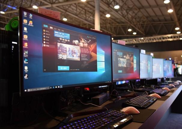 玩家的最爱 三星电竞显示器亮相西安酷玩展