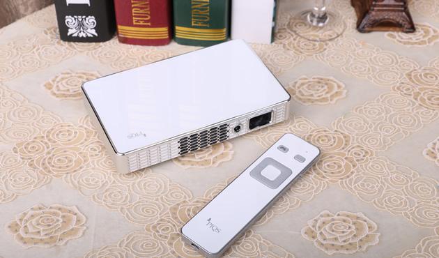 通过遥控器配对之后可以直接实现虚拟触控功能。