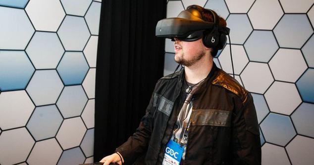 与HTC Vive同门:新LG VR原型机抢先试玩