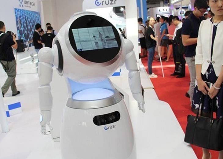 功能完整可靠 UBTECH服务机器人吸睛