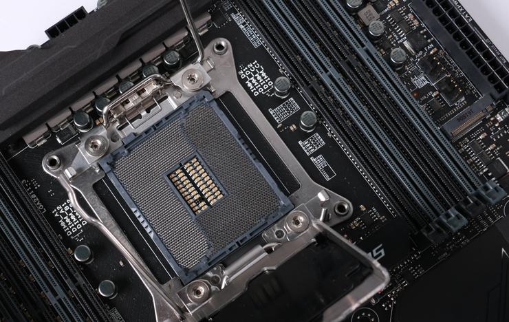处理器及内存插槽