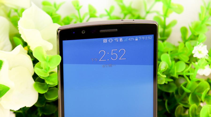 LG G4顶部