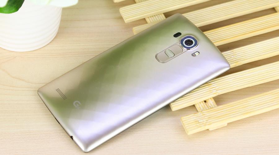 LG G4机身背面