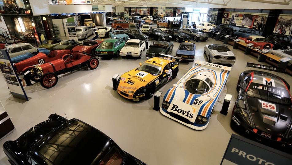 看汽车工业变迁 观伯明翰老爷车博物馆